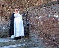 Польский ксендз установил в костеле считывающее устройство для отпечатков пальцев, чтобы контролировать присутствие прихожан на богослужениях