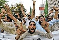 В Пакистане мусульманин-бизнесмен обвинил своего конкурента христианина в «богохульстве» и поджёг его магазин