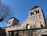 Во Франции сатанисты обезобразили здание еще одной церкви