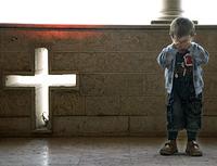 МОПЧ: в то время как мусульманские иммигранты находят поддержку в Евпоре, сирийским беженцам-христианам отказано в специальной помощи