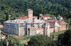 В сербском монастыре Хиландар на Афоне освятили восстановленную часть братского корпуса