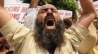 В Египте толпа мусульман устроила погром коптских домов из-за ложного слуха об изнасиловании девочки-мусульманки
