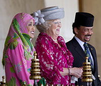 Королева Нидерландов выступила в защиту христиан Брунея