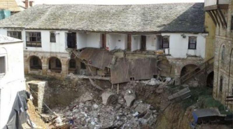На Афоне в монастыре Великой Лавры обвалилась стена с келлиями