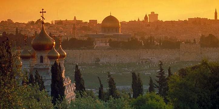 Христиане провели в Иерусалиме молитвенное шествие за мир