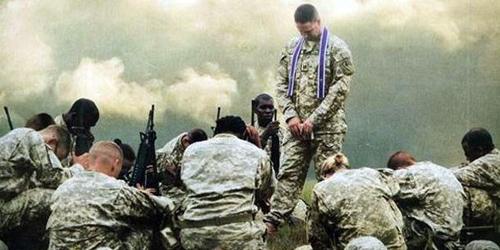 В США военный капеллан наказан за проповедь Христианства