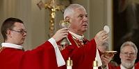 Кардинал Мюллер подверг критике решение католических епископов Германии допустить Причастие протестантов