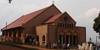 В Уганде католики протестуют против попытки узаконить церковную десятину в виде налога