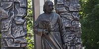 Святейший Патриарх Московский и всея Руси Кирилл освятил памятник отцу Павлу Флоренскому в Сергиевом Посаде