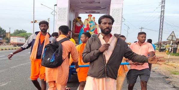 Картинки по запросу В Индии члены радикальной индуистской группировки атаковали группу католиков, участвовавших в паломническом шествии