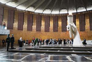 Святейший Патриарх Кирилл посетил музей-заповедник «Сталинградская битва» на Мамаевом кургане